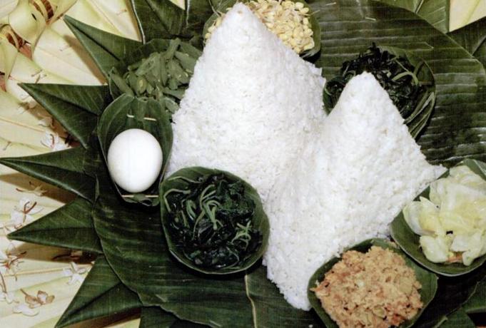 Tumpeng Pungkur Budaya Indonesia